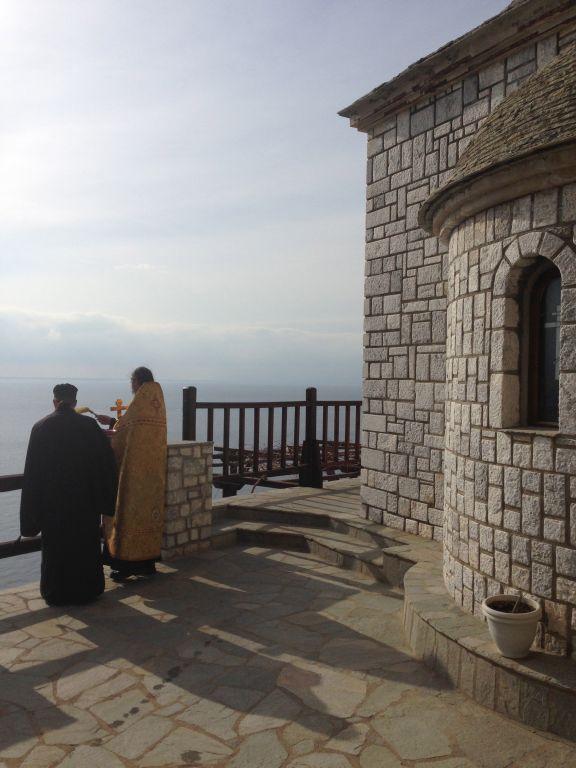 Крещение. Афон. Монах Афанасий